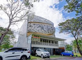 Vaccinated Staff - OYO 90227 Citraland Residence, hotel near Pakuwon Mall, Surabaya