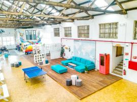 AKTION Peniche Hostel & Apartments, albergue en Peniche