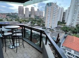 Apartamento ótima localização Cidade Moncoēs, hotel with jacuzzis in Sao Paulo