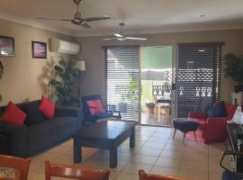 A City Retreat, 2BR Apartment - Reid Park -Townsville, hotel near Billabong Sanctuary, Townsville
