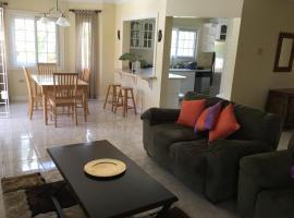 Lignum Vitae Condos, apartment in Kingston