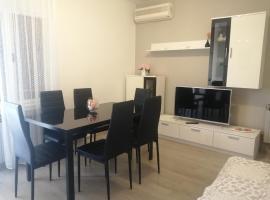Apartment Vera, 80 m from the sea, apartment in Novigrad Istria