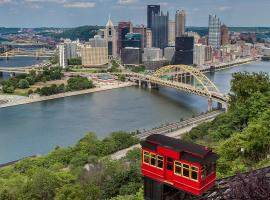 Wyndham Grand Pittsburgh, accessible hotel in Pittsburgh