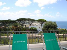 Appartamenti Ischia la Sentinella, hotel in zona Monte Epomeo, Ischia