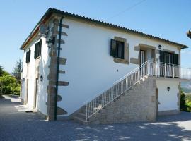 Casa Do Tio Arménio, guest house in Ponte de Lima
