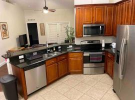 *Orlando* Centrally Located Family Size Home, holiday home in Orlando