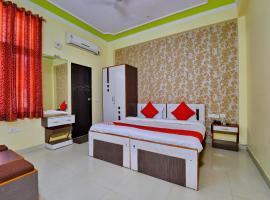 OYO 8936 Hotel Royal Park, hotel in Malviya Nagar, Jaipur