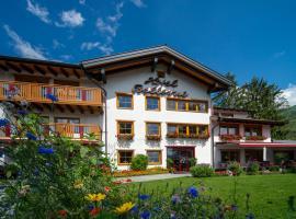 Hotel Bellevue, hotel in Riezlern