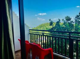The Radiance Regency, hotel in Chail