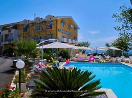 Hotel Piccolo Mondo, hotell i Acquappesa
