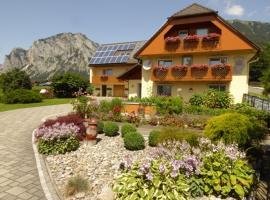 HAUS RUSSOLD -FEWO22 in entspannter Atmosphäre - GRÜNER SEE, hotel near Green Lake, Oberort