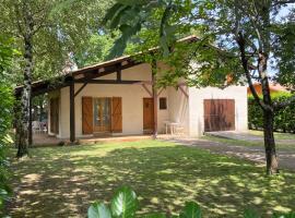 Villa Climatisée et Wifi Gujan à 5 mn du Bassin d'Arcachon, Ferienhaus in Gujan-Mestras