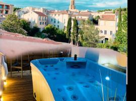 Duplex Bellevue SPA PRIVATIF Toit d'Aix, hotel with jacuzzis in Aix-en-Provence