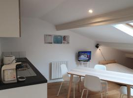 COSY apartment near the sea, hotel in La Teste-de-Buch