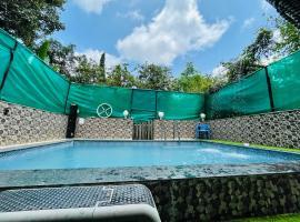 Blue Heaven- Lonavala 2 Bhk with private pool!, room in Lonavala