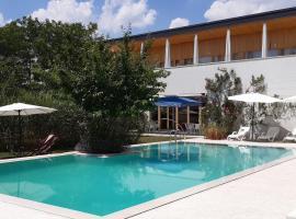 Hotel Gracanica, hotel in Pristina
