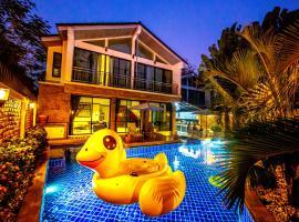 4poolvillas, hotel in North Pattaya