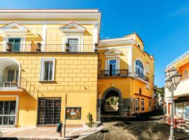 Casa Neval Lacco Ameno, apartment in Ischia