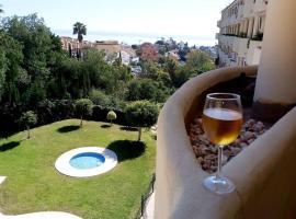 Apartamentos con dos habitaciones y con dos pisinas en Fuengirola, lägenhet i Fuengirola