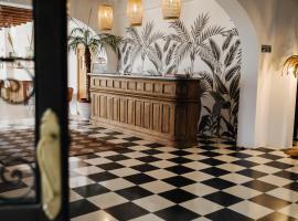 La Bohemia del Rio Hostal Boutique-Adults Only, отель в Санта-Эулалия-дель-Рио