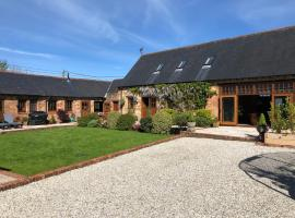 Grade II listed Barn Conversion on the edge of Bournemouth and the New Forest., pet-friendly hotel in Bournemouth