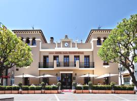 Casa Consistorial, hotel dicht bij: haven van Benalmadena, Fuengirola