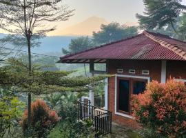 Villa tayyibah HHH, pet-friendly hotel in Bogor