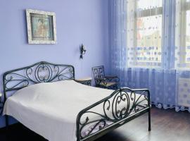 Royal Deribasovskaya street apartment, apartment in Odessa