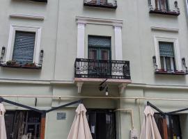 Old Town Unirii Square Damaris apartment, hotel din apropiere   de National Romanian Opera House Timisoara, Timișoara