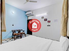 Vaccinated Staff - OYO 81035 Hotel Viyun, hotel near Agra Airport - AGR, Agra