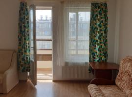 Студия для туристов в предпарковой зоне., hotel in Saint Petersburg