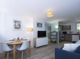L'orée de la plage: appt. tout confort 4/6 pers. 400 m de la plage, apartment in La Ciotat
