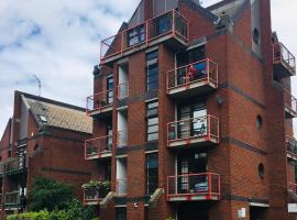 One-bedroom Rotherhithe/Bermondsey flat, Central London, UK, hotel in London