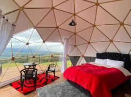 Glamping hermoso amanecer, luxury tent in Guatavita