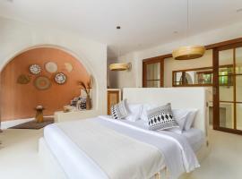 White Goose Boutique Hotel, hotel near Potato Head Beach Club, Canggu