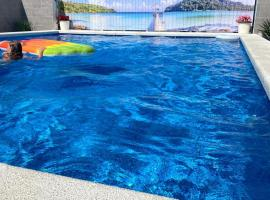Guest House Mag.K.Dom, hotel with pools in Vityazevo