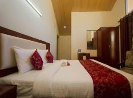 JS Group Hotel Eco Groves, hotel near Kullu–Manali Airport - KUU, Manāli