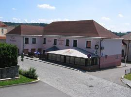 Hotel U Jiřího, hotel in Humpolec