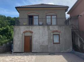 Prázdninový dům na Pálavě, prázdninový dům v Milovicích