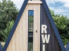 Domki RWL, lodge in Rewal