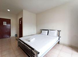 Hotel Bambu Kuning, hotel in Tanjungkarang