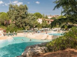 SOWELL HOTELS Ardèche, hotel in Grospierres
