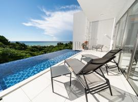 Blue Rela Luxe Resort Okinawa, holiday home in Onna