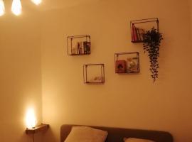 Avignon: T2 en plein centre ville, budget hotel in Avignon