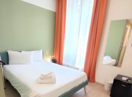 Camplus Guest Bernini Casa per Ferie, hotel in Turin
