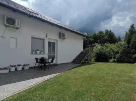 New apartment near Plitvice lakes, self catering accommodation in Smoljanac
