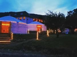 Jurta Hotel Balatongyörök, hotel v destinaci Balatongyörök