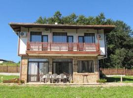 Къща Рай, хотел в Дряново
