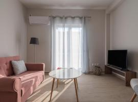 Brand New 2 Bdrm Apartment in Plaka #B1, hotel with parking in Athens