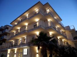 Hotel Riva e Mare, hotel in zona Stazione Ferroviaria di Rimini, Rimini